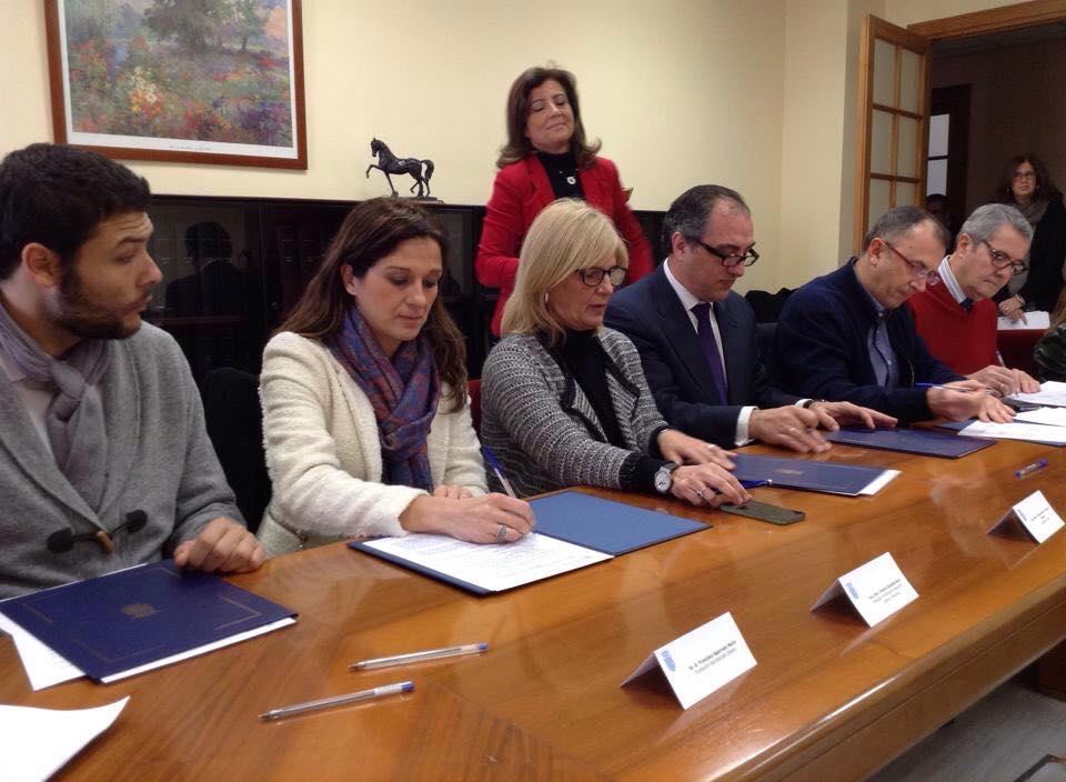 Firma del Acuerdo por la Zona Sur el pasado 6 de febrero de 2015